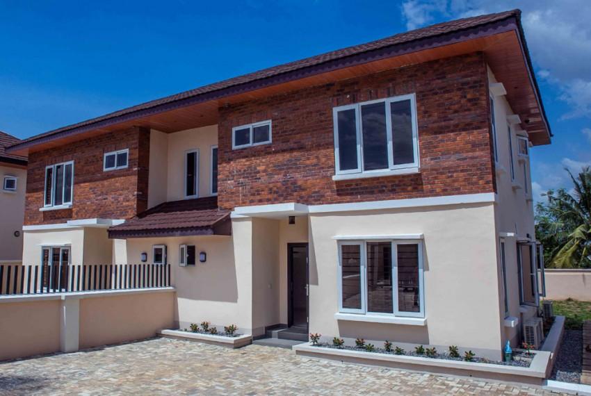 5 BEDROOM SEMI DETACHED IN IBADAN N70.000.000
